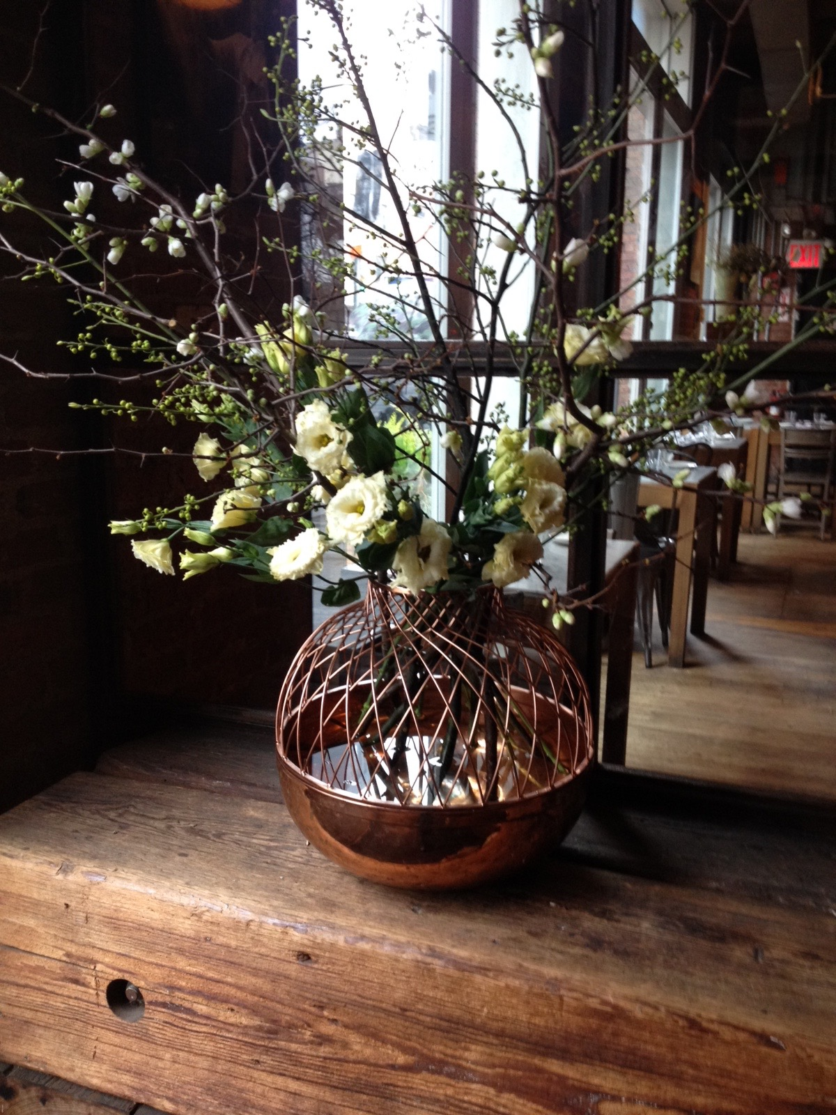 Floral Tips to Complement Your Restaurant's Décor