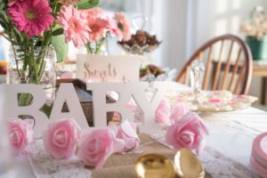How to Decorate a Room for a Baby Shower