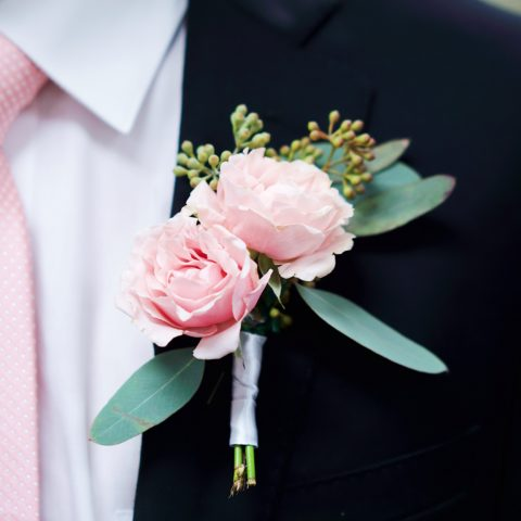 4 Easy Steps To Make Your Own Wedding Boutonniere